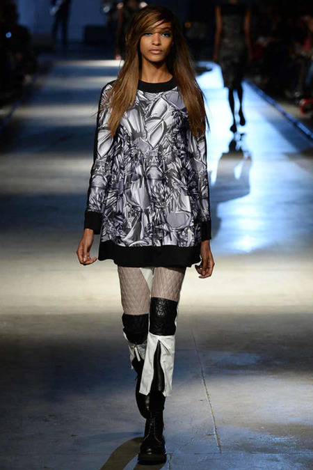 And walking for Giles Deacon.